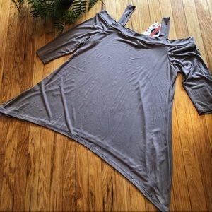 Tops - One left!!! • Taupe cold shoulder shirt